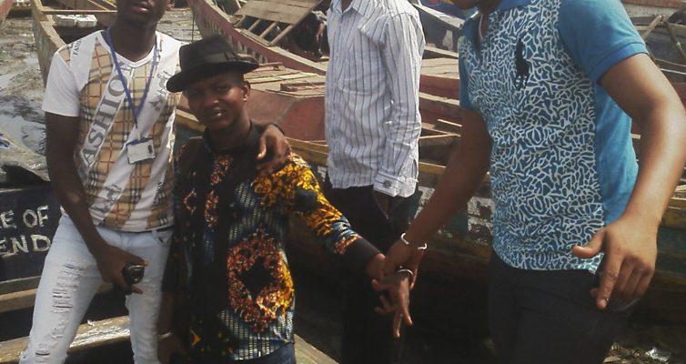 Au port de Kamsar avec les amis